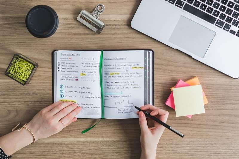 英語を独学で勉強する際の注意点【目標設定と教材】